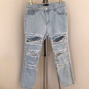 BRAND NEW Forever 21 Distressed Boyfriend Jeans